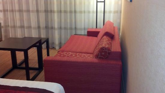 Courtyard by Marriott Lebanon: Sofabed
