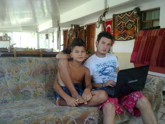 Hotel Sema : Garson Nazif and little brother Ebrahim