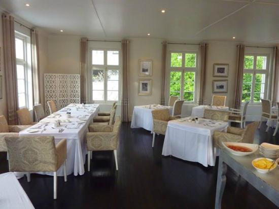 More Quarters Hotel: Sala colazioni