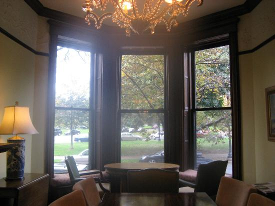 Morgan State House: Windows on the main floor facing Washington Park