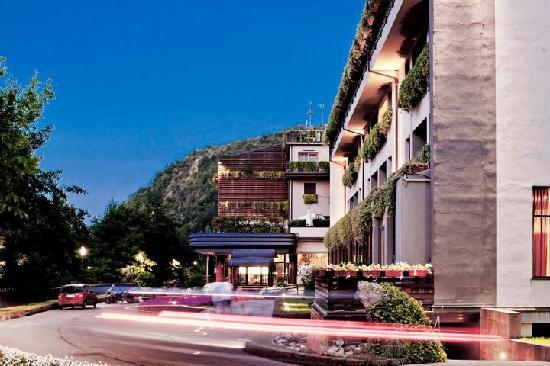 Ròseo Hotel Euroterme - Ingresso - Foto di Ròseo Euroterme Wellness ...