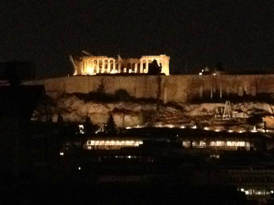 BEST WESTERN Acropolis Ami Boutique Hotel: Night view of Acropolis