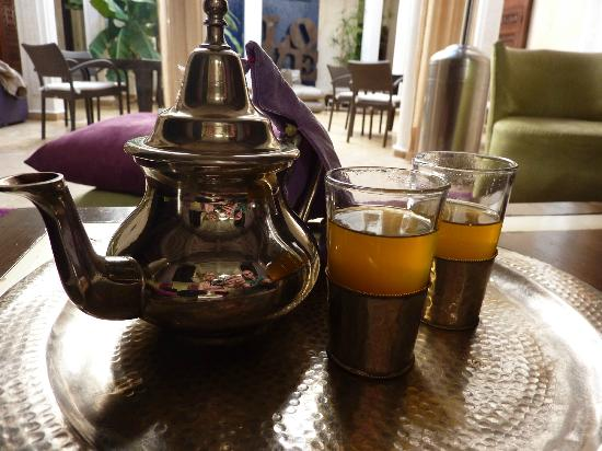 Riad Charlott' : Mint tea