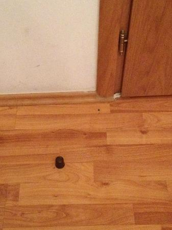 Acropolis Ami Boutique Hotel: BEWARE the door stoppers that stick out of the floor - easy to stub your toe!