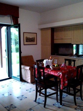 La Bruca Resort - Mediterranean Wellbeing: Cucina - soggiorno nella Suite