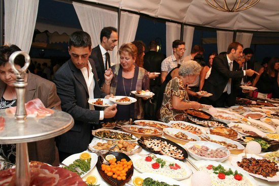 Grand Hotel Punta Molino Beach Resort & SPA : Buffet di aperitivo Rangio