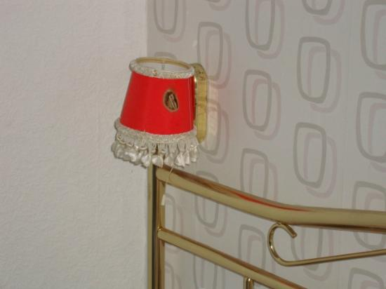 Park House Guest House : Bedside Lamp, not working, bulbs removed, due to shade setting on fire from previous use