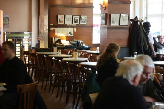 Cafe Grundmann: late morning, when it's a bit quieter