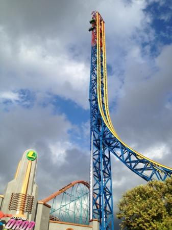 Riddle´s Revenge - Picture of Six Flags Magic Mountain ...