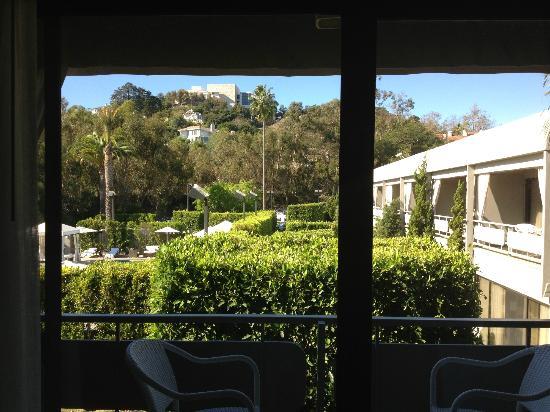 Luxe Sunset Boulevard Hotel Parking