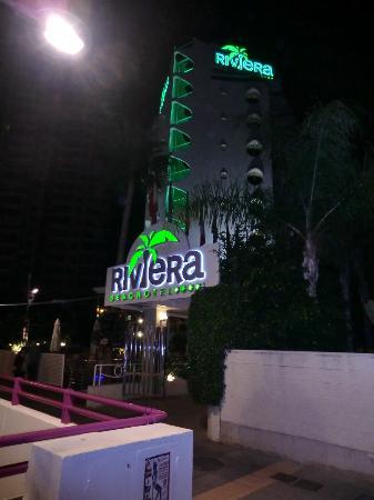 Riviera Beachotel: front of hotel