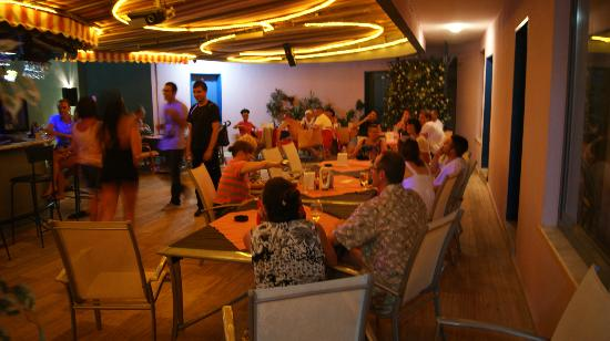 Happy Apart Hotel: restaurant