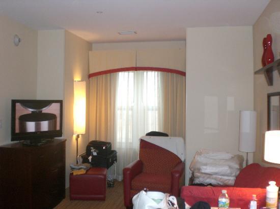 Residence Inn Port St. Lucie: Living area