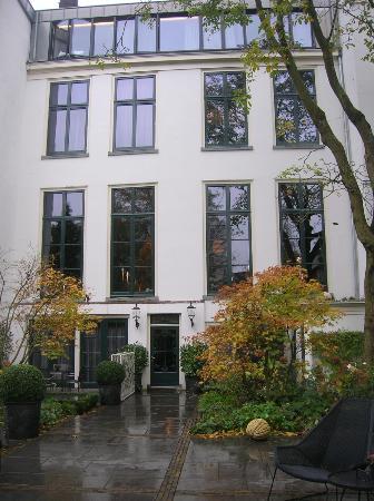 Canal House: back garden