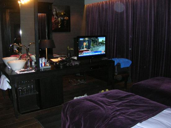 Canal House: room