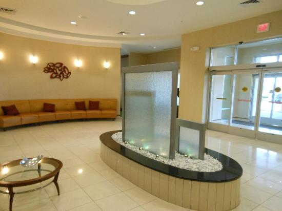 SpringHill Suites Orlando Airport: hotel lobby