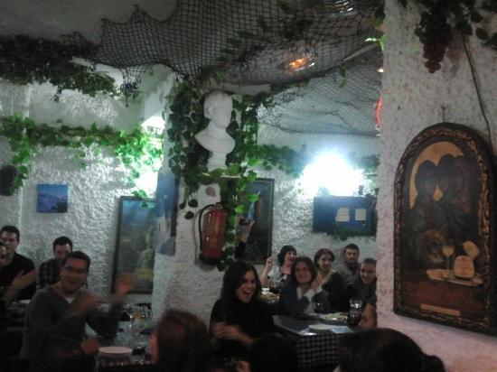Taberna Griega: Interior del restaurante
