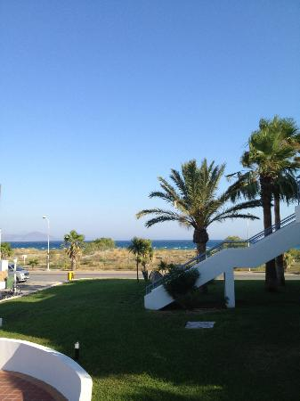 Pelagos Suites Hotel: Sea view from balcony (quiet main road in front)