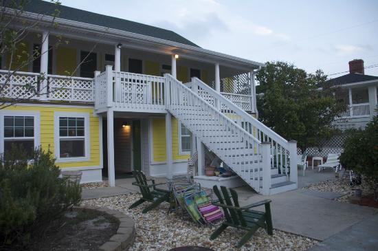 The Georgianne Inn : Back of Georgianna Inn