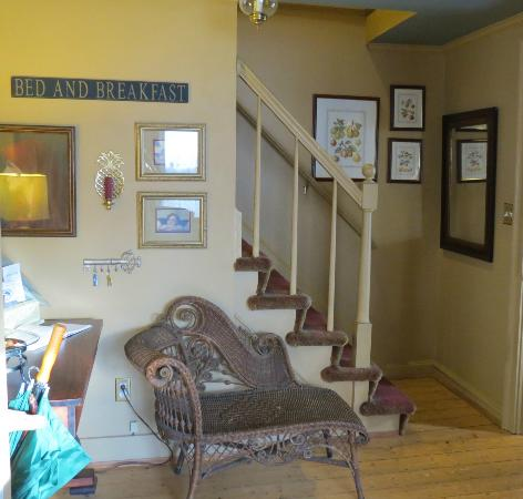 Crabtree Cottage: Stairway to upstairs rooms