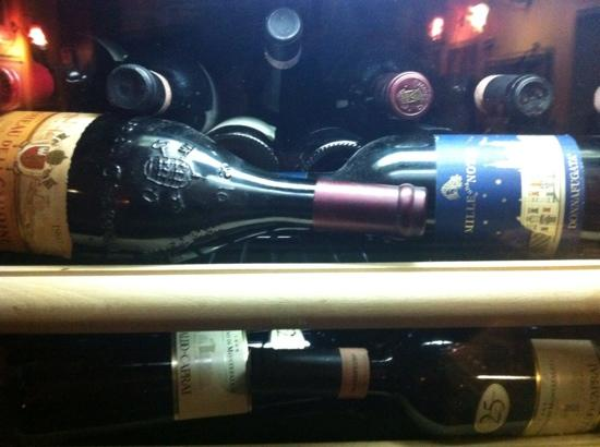 Il Lupo Antica Trattoria: Some of the older red wines
