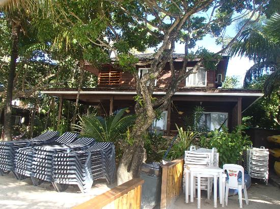 Bananarama Beach and Dive Resort: Our beachfront villa.