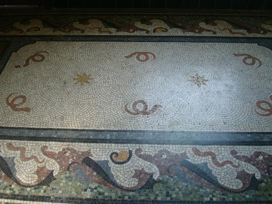 Victoria Baths: Original mosaic floor.