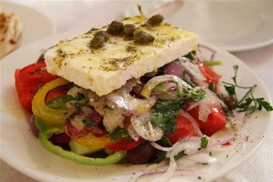Plaka Hotel: Greek salad