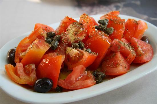 Plaka Hotel: Tomato salad