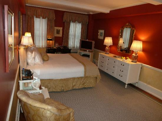 The Carlyle, A Rosewood Hotel: Room 607