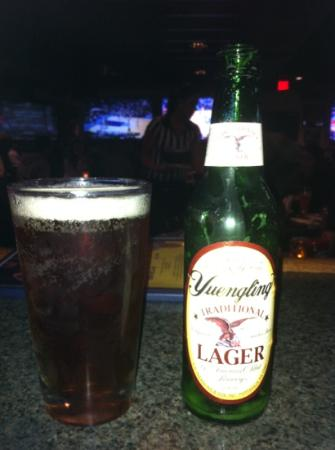Kegler's Sports Bar & Lounge: Cold Beer
