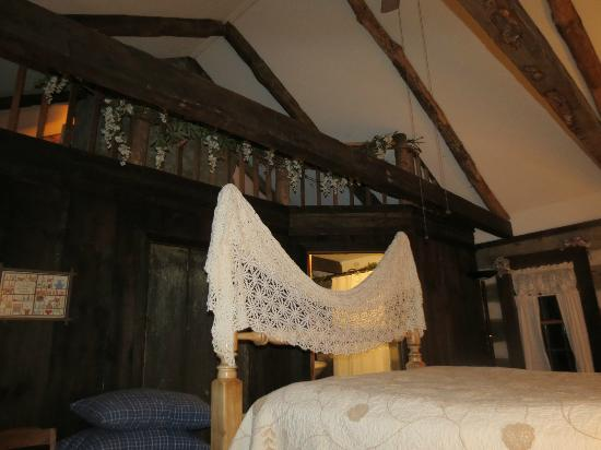 Country Road Bed and Breakfast: Children's Loft from Master Bedroom in Log House