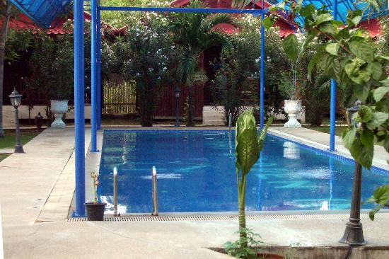 Thai Garden Inn : The pool