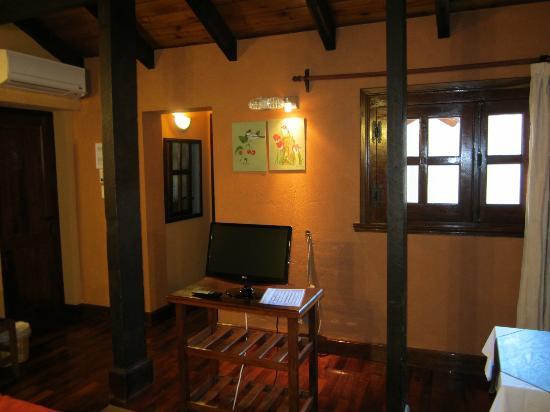 Sissi Haz Hotel Boutique: Cuarto, tv y ventana q da al patio