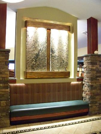 Sam's Steak and Seafood: Lobby Bench