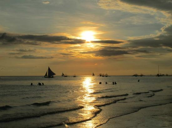 Shangri-La's Boracay Resort & Spa : spectacular Boracay sunset