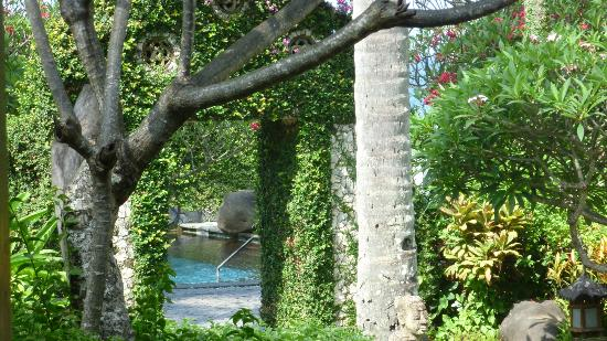Sheraton Senggigi Beach Resort: Hotel Gardens