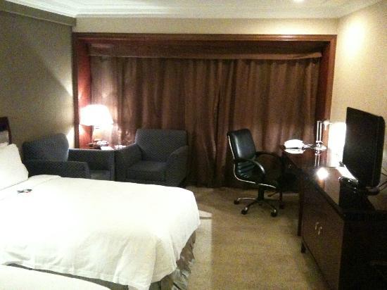 The Pavilion Hotel: Room
