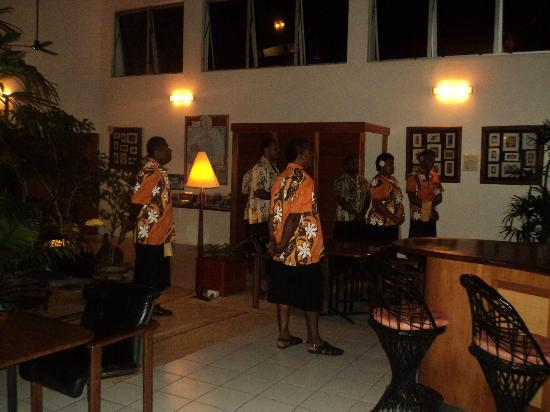 Bedarra Beach Inn: singing farewell to one of the visitors
