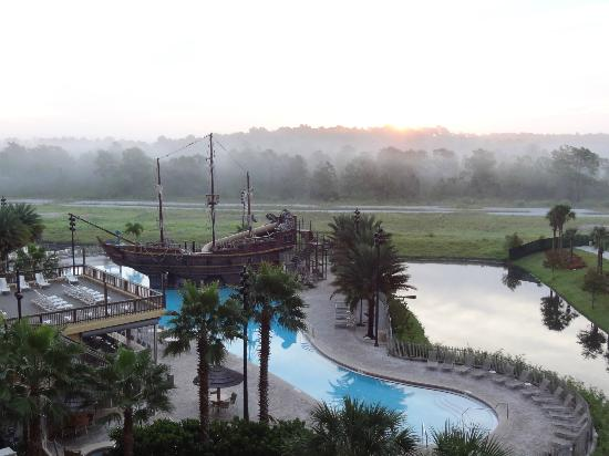 Lake Buena Vista Resort Village & Spa: View on a foggy morning