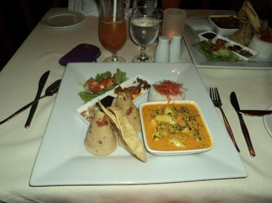 Bedarra Beach Inn: a must taste curry chicken..yummy