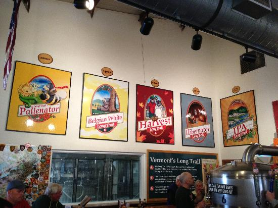 Long Trail Brewing Company: Bar area