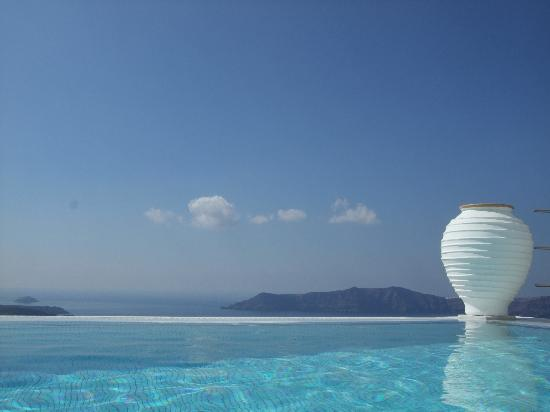 Homeric Poems: The stunning infinity pool
