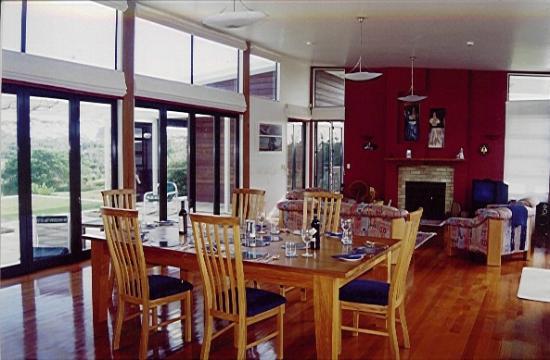 Houhora Lodge & Bed & Breakfast: Dining Room set for donner