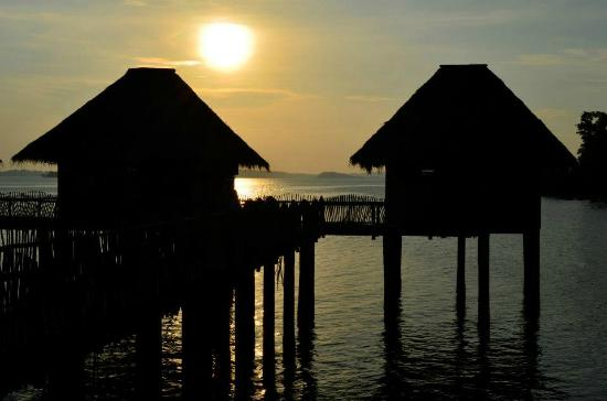 Telunas Beach Resort: Private chalets