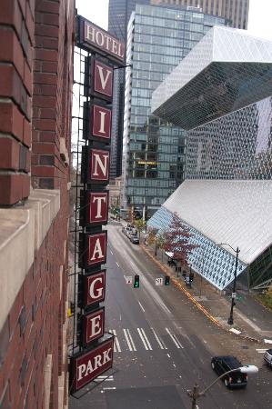 Kimpton Hotel Vintage Seattle: The library as seen out our window