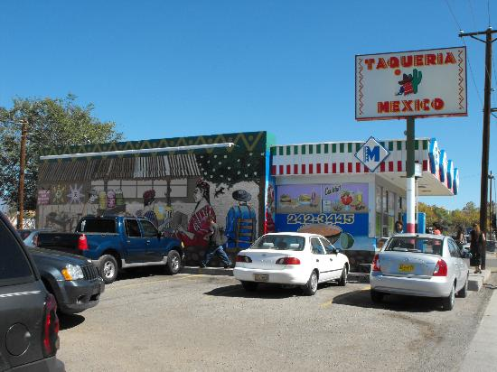 Taqueria Mexico: Bright colors and the mural hint at what's to come