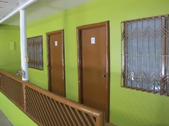 Coron Village Lodge: Ground floor rooms