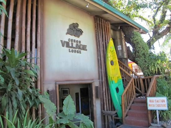 Coron Village Lodge: Facade