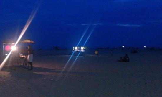 Raheem Residency: Beach at night